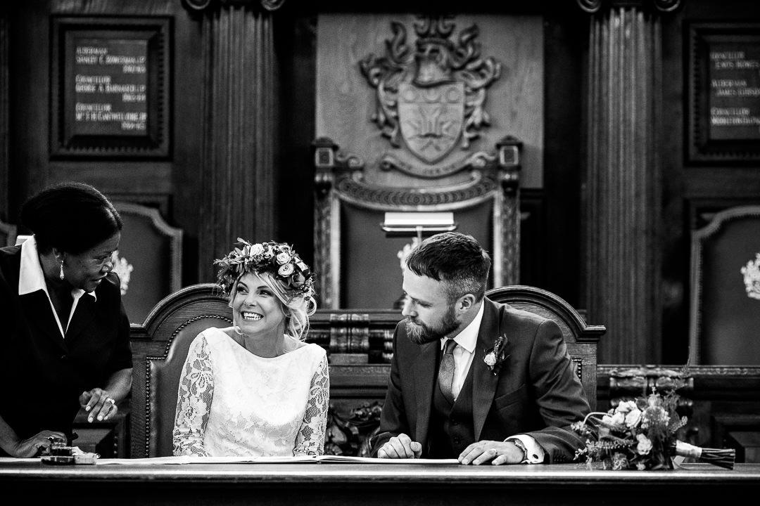 islington-townhall-wedding-photographer-30