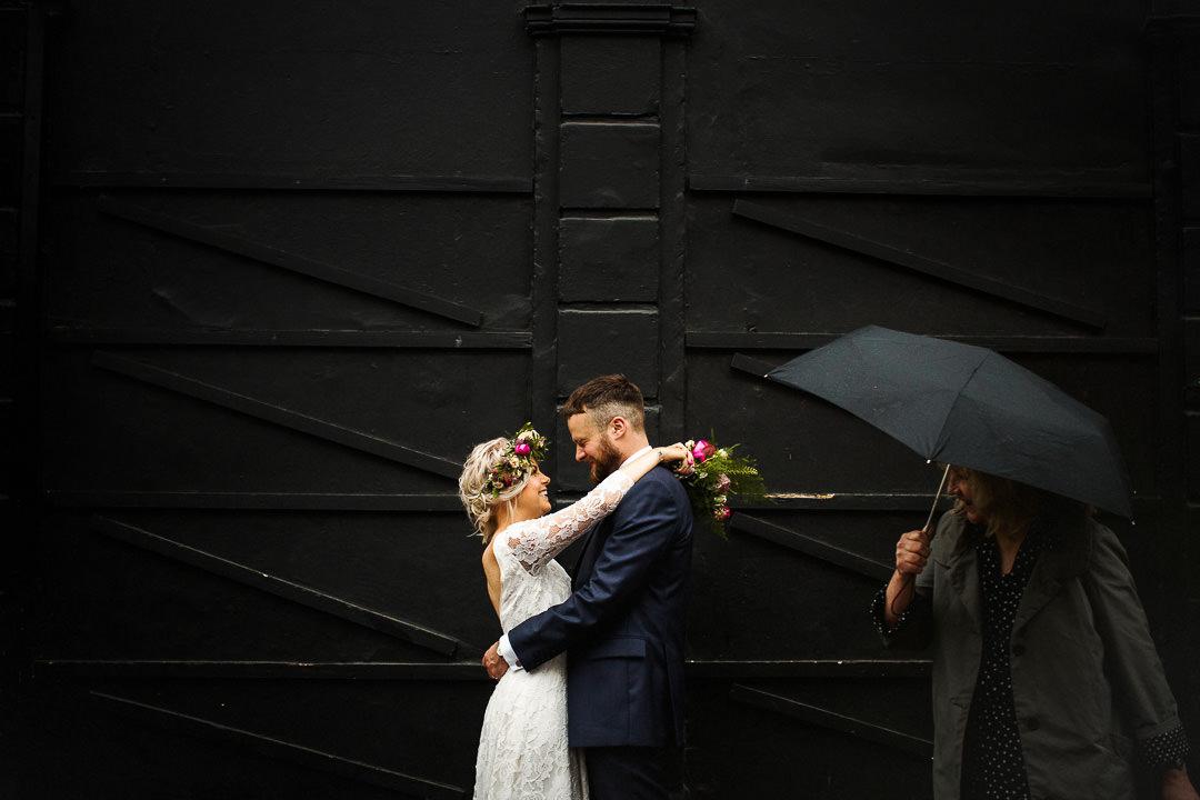 islington-townhall-wedding-photographer-40