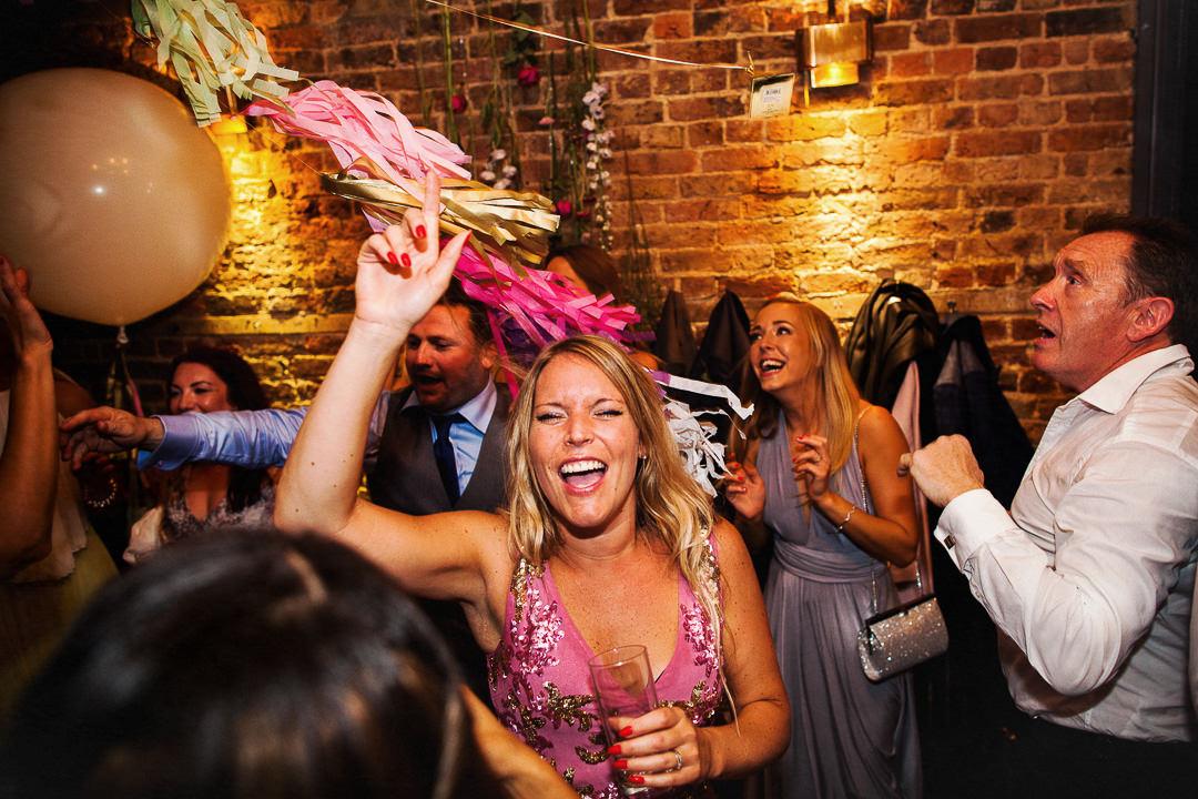 islington-townhall-wedding-photographer-60