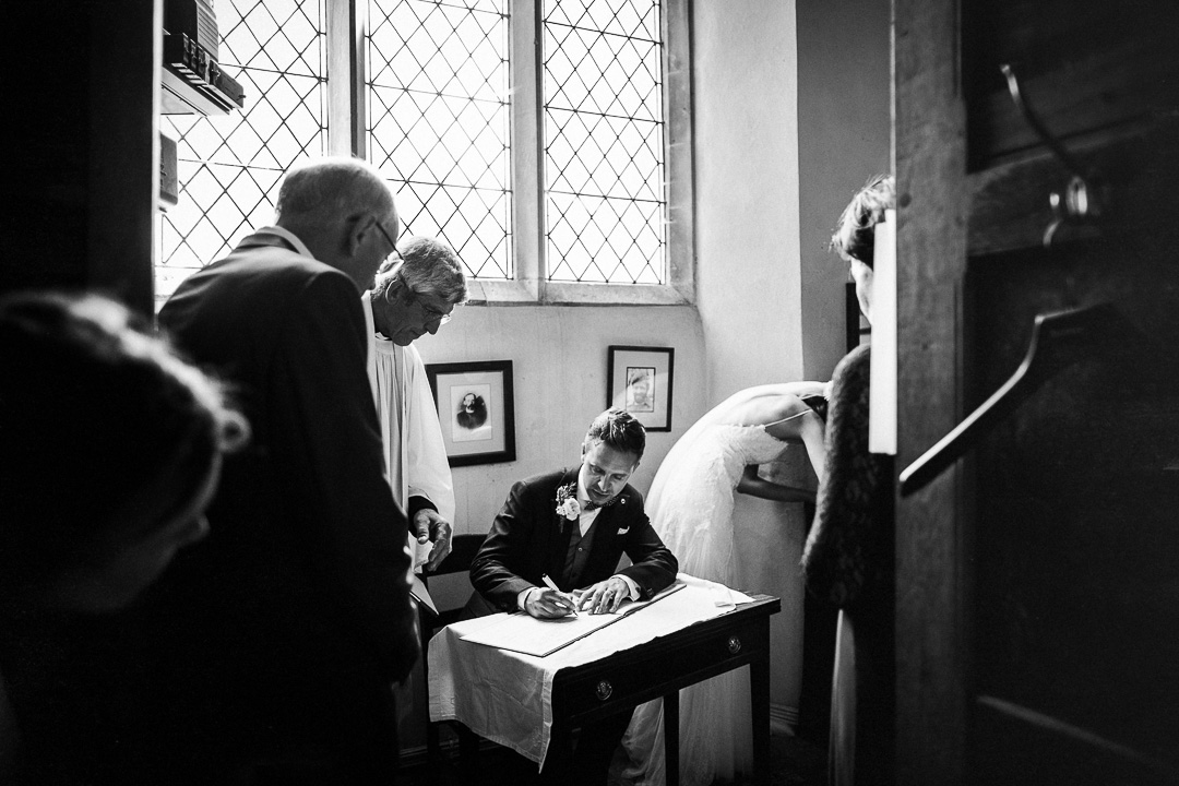 alternative london wedding photography-34