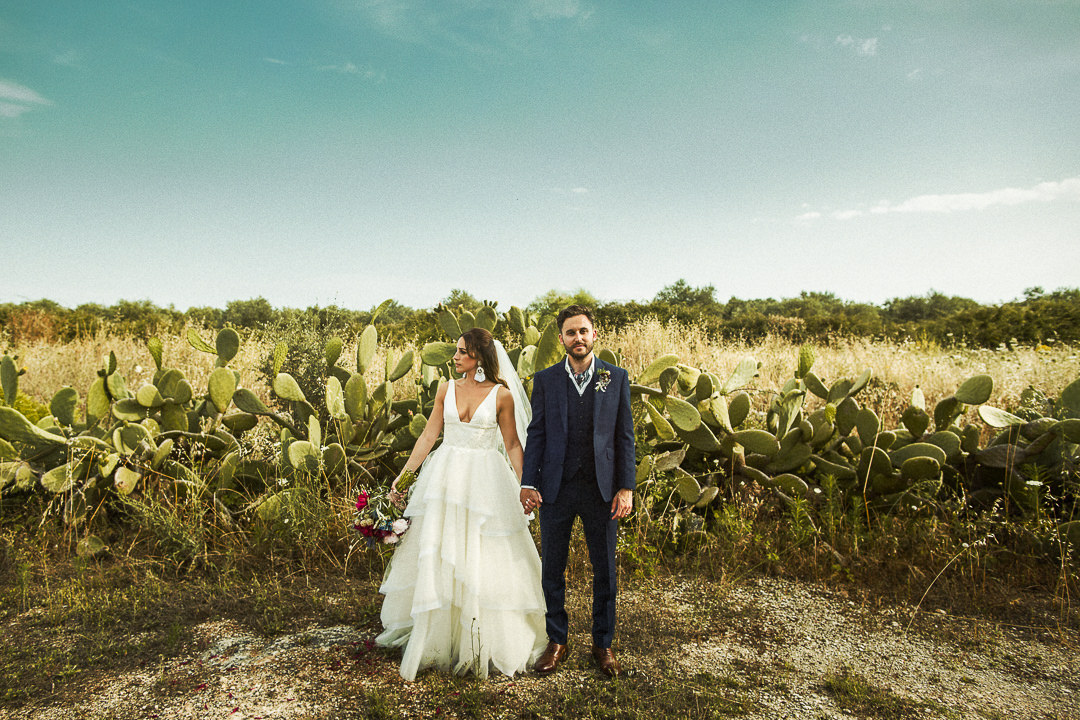 Puglia wedding photography couple with prickly pears