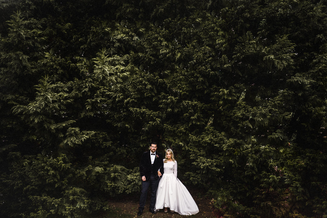 a wedding couple portrait shot at the dodmoor house wedding venue in Northamptonshire